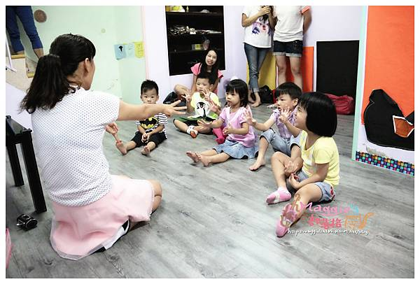 MAMI-BABY&KIDS日文音樂繪本遊樂園 (8).JPG