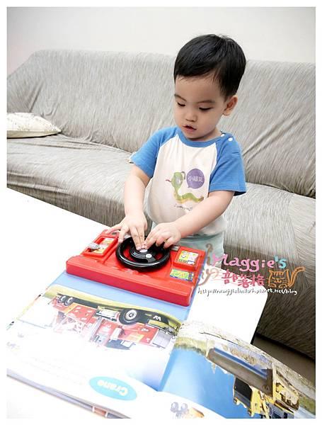人類文化汽車方向盤玩具 (16).JPG