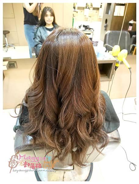 Happy Hair 文華店 (21).JPG