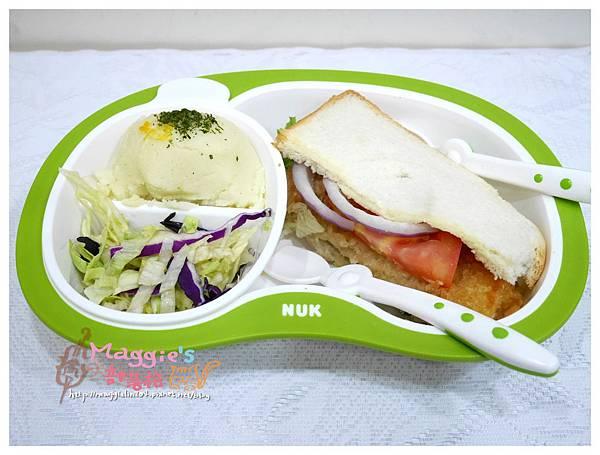 NUK 分離式多功能成長餐具組 (9).JPG