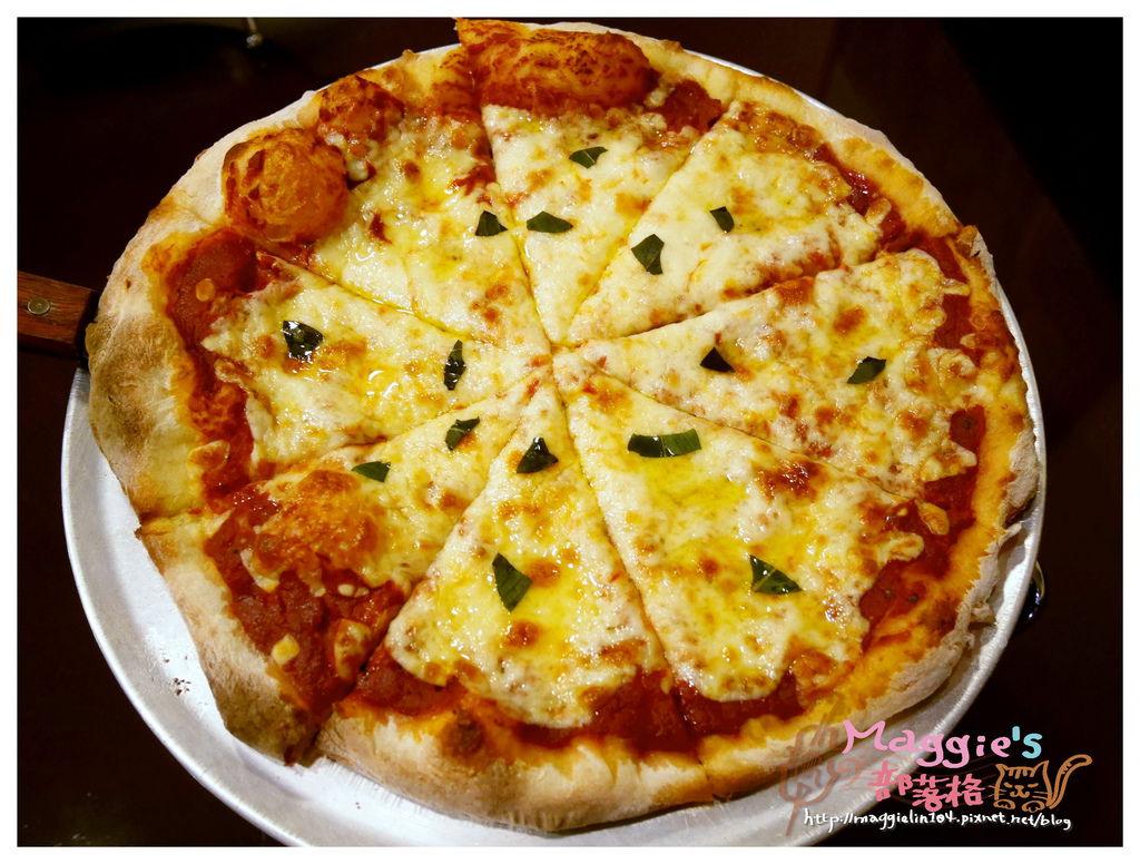 Big Boyz Pizza (20).JPG