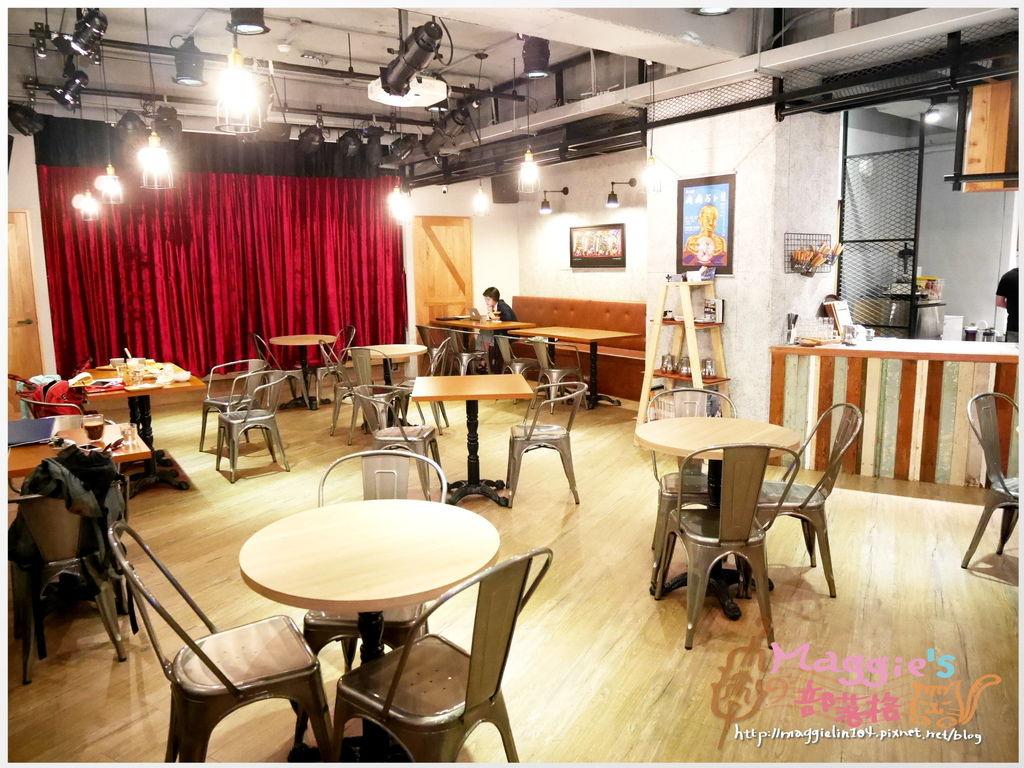 Crew Cafe (33).JPG
