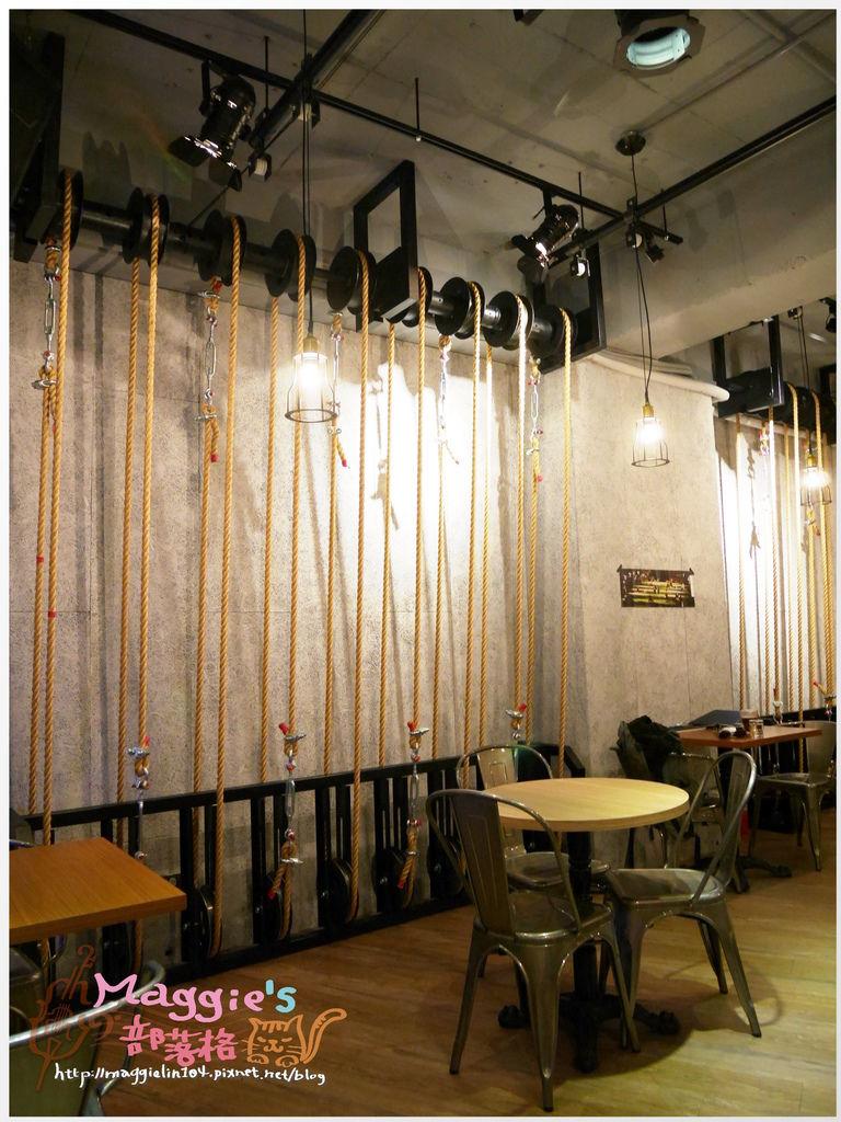 Crew Cafe (34).JPG
