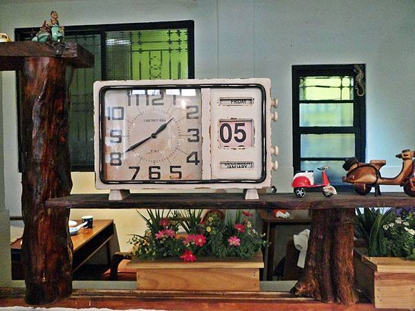 復古造型小鬧鐘.JPG