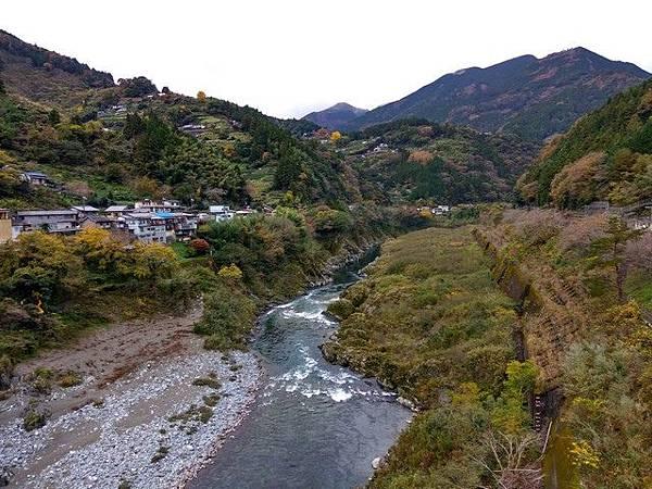 IMG_007吉野川上游的溪谷.jpg
