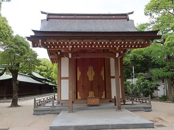 IMG_015龜山上皇奉安殿.jpg
