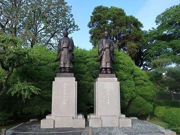 IMG_044細川忠利與細川藤孝像.jpg