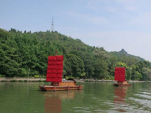 IMG_011桂湖•灕江紅帆.jpg