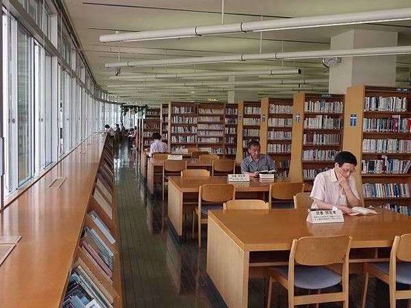 IMG_028弘前市立圖書館.jpg