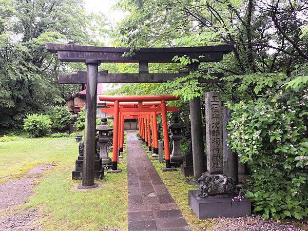 IMG_037與次郎稲荷神社.jpg