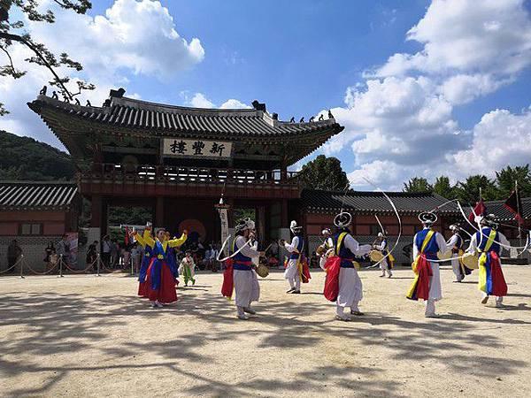 IMG_024民俗舞蹈表演.jpg