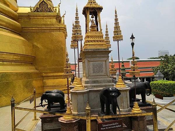 IMG_010皇家雕塑(Phra Bussabok).jpg