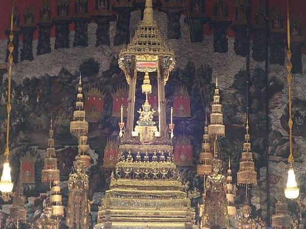 IMG_020玉佛(The Emerald Buddha).jpg