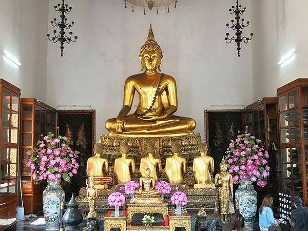 IMG_034成功佛(Phra Buddha Chinnaraj).jpg