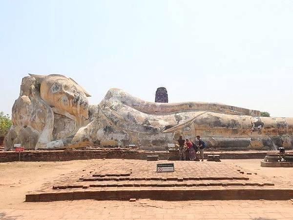 IMG_022羅卡雅蘇塔寺(Wat Lokaya Sutha).jpg