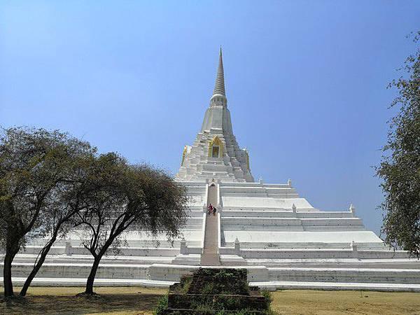IMG_026普考同寺(Wat Phu Khao Thong).jpg
