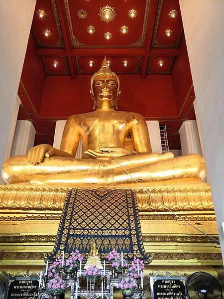 IMG_037最大青銅坐佛(A grand bronze Buddha).jpg