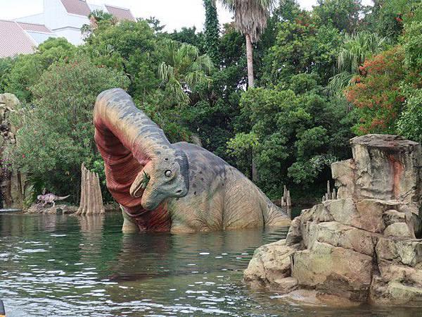 IMG_009侏儸紀公園乘船遊(Jurassic Park–The Ride).jpg