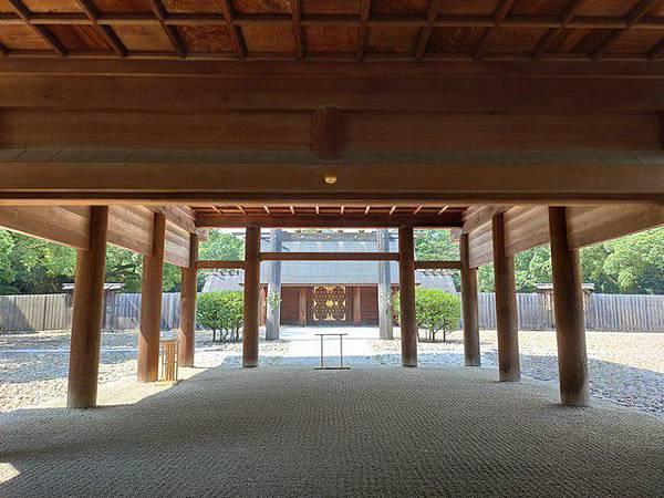 IMG_024熱田神宮拜殿.jpg