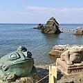 IMG_043蛙岩(親子蛙).jpg