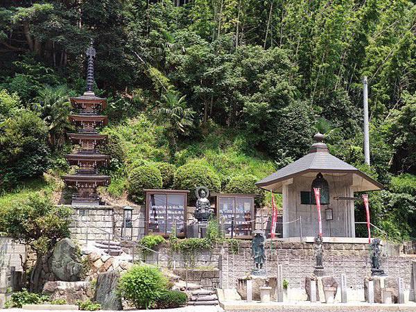 IMG_014金前寺-五重塔、地蔵菩薩、鐘楼堂.jpg