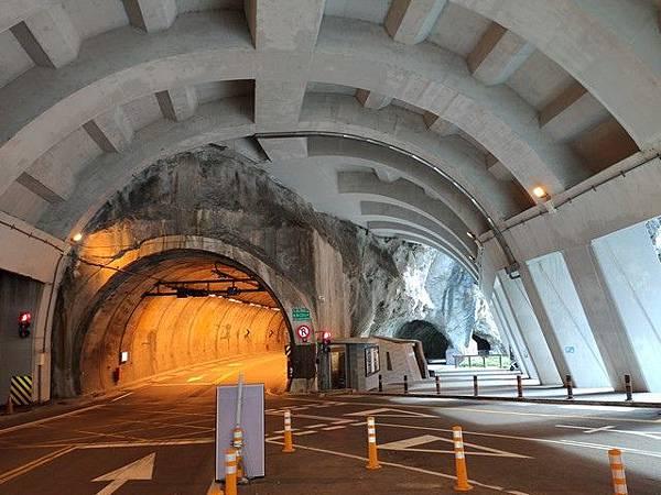 IMG_003九曲洞隧道、步道入口.jpg