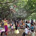 0711高雄都會公園戶外生日派對魔術汽球表演+大型泡泡表演 (7).JPG