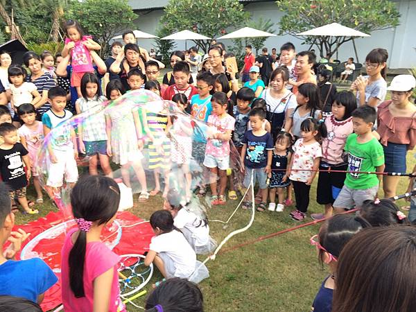 雲林小丑泡泡表演+小丑氣球表演+小丑折汽球@雅聞峇里海岸觀光工廠 (4).JPG
