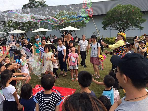 雲林小丑泡泡表演+小丑氣球表演+小丑折汽球@雅聞峇里海岸觀光工廠 (3).JPG