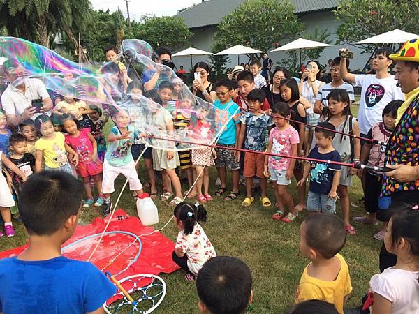 雲林小丑泡泡表演+小丑氣球表演+小丑折汽球@雅聞峇里海岸觀光工廠 (5).JPG
