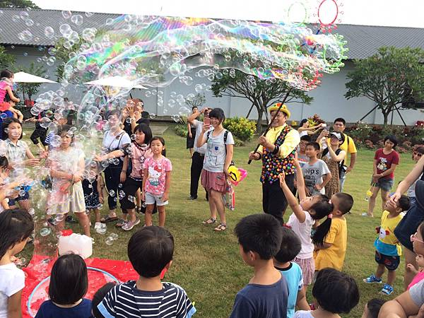 雲林小丑泡泡表演+小丑氣球表演+小丑折汽球@雅聞峇里海岸觀光工廠 (2).JPG