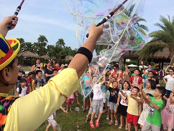 雲林小丑泡泡表演+小丑氣球表演+小丑折汽球@雅聞峇里海岸觀光工廠 (7).JPG