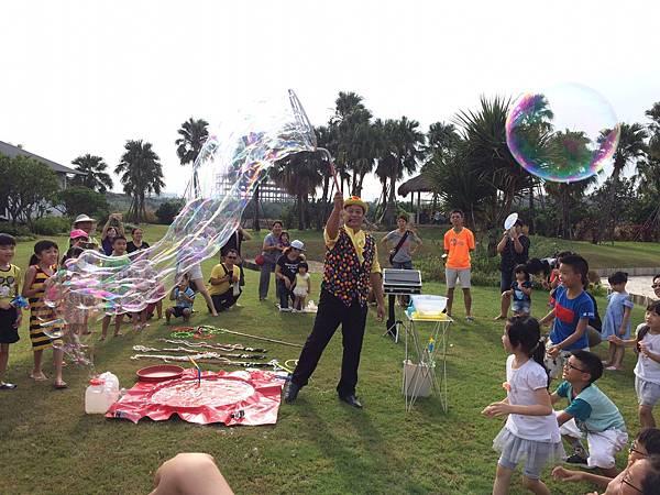 雲林小丑泡泡表演+小丑氣球表演+小丑折汽球@雅聞峇里海岸觀光工廠 (8).JPG