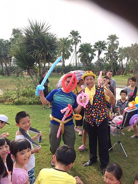 雲林小丑泡泡表演+小丑氣球表演+小丑折汽球@雅聞峇里海岸觀光工廠 (9).JPG