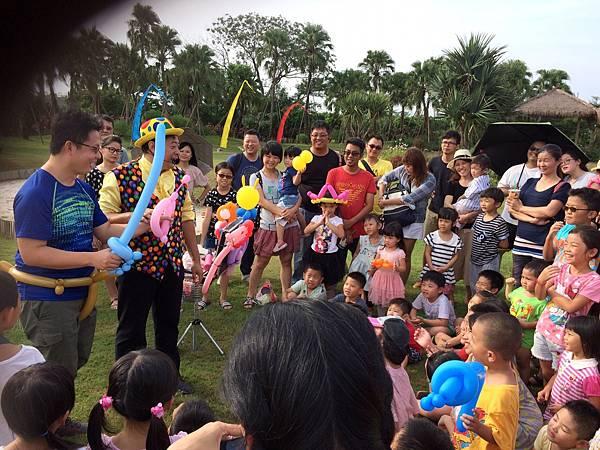 雲林小丑泡泡表演+小丑氣球表演+小丑折汽球@雅聞峇里海岸觀光工廠 (10).JPG