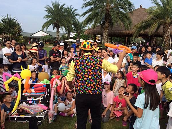 雲林小丑泡泡表演+小丑氣球表演+小丑折汽球@雅聞峇里海岸觀光工廠 (12).JPG