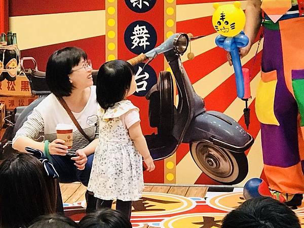 台南南紡夢時代小丑魔術氣球表演 (4).jpg