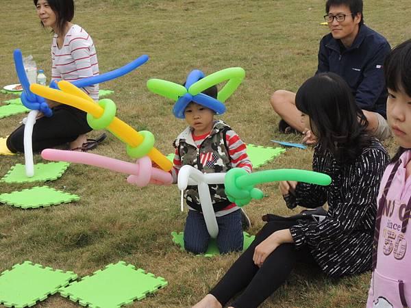 高雄小城聖誕派對魔術表演泡泡表演小丑氣球表演巧虎人偶小小兵人偶迎賓 (13).JPG