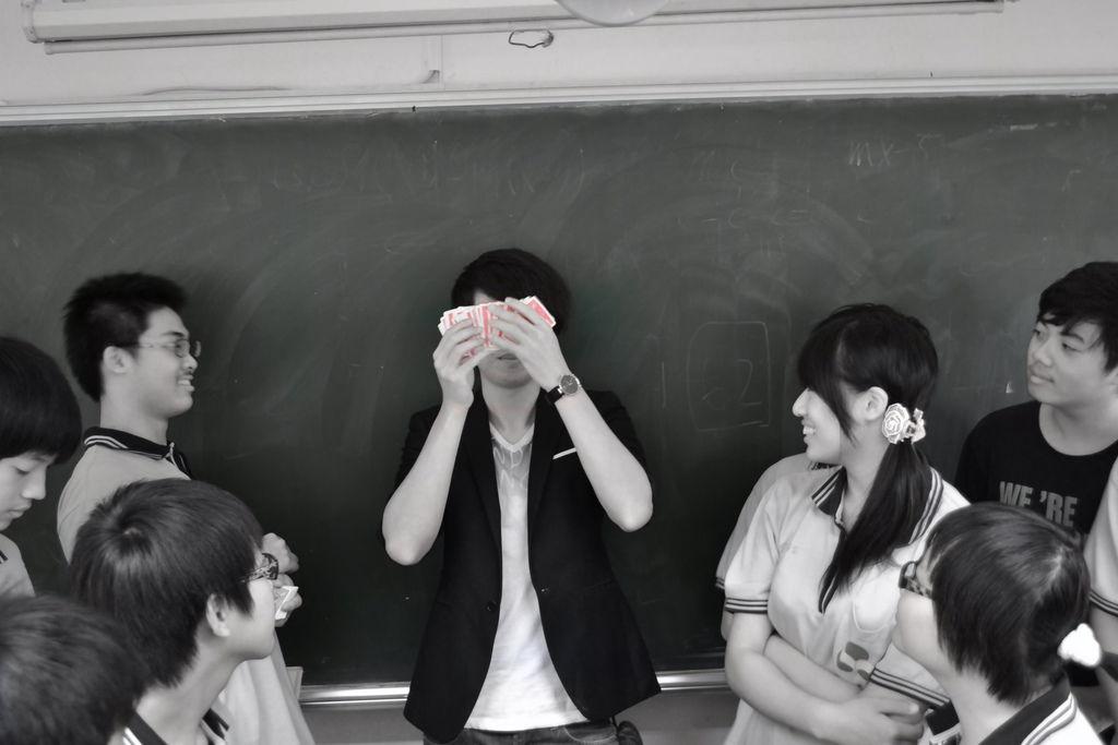 忠明高中魔術社、魔術課、造型氣球教學