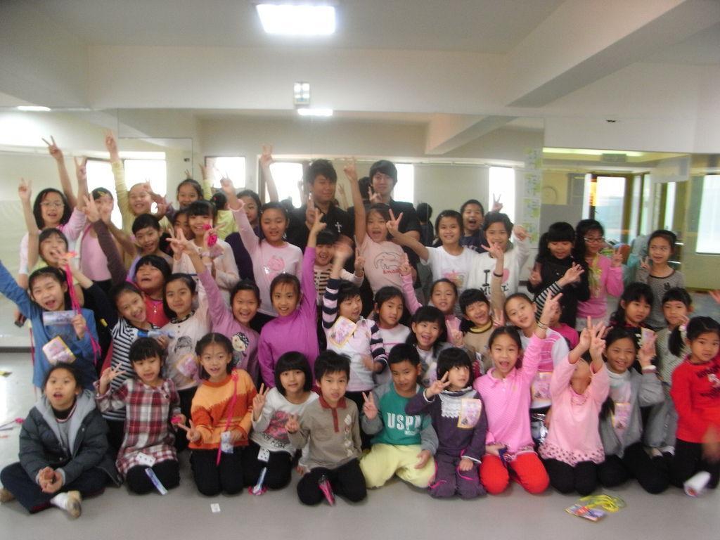 雲提舞蹈團暑假夏令營魔術課、造型氣球教學