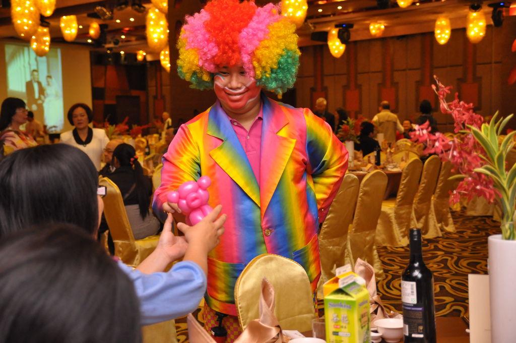 仲威&素晴婚禮魔術表演&小丑表演