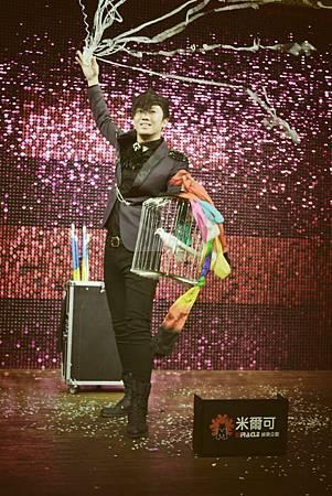 盛谷實業有限公司春酒魔術表演、氣球小丑、熱舞表演