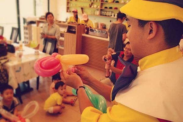生日派對魔術表演、氣球小丑、變臉表演