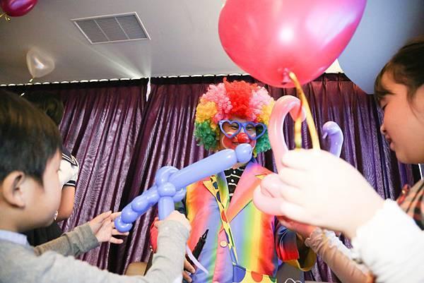 惟美牙醫尾牙魔術表演、小丑表演、花式調酒