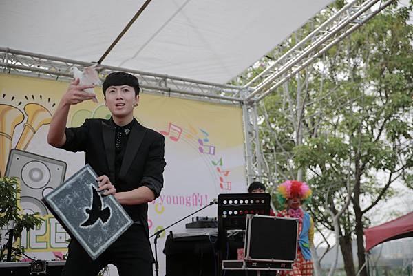 環保局太平公園演唱會魔術表演、小丑表演、熱舞表演、樂團演唱