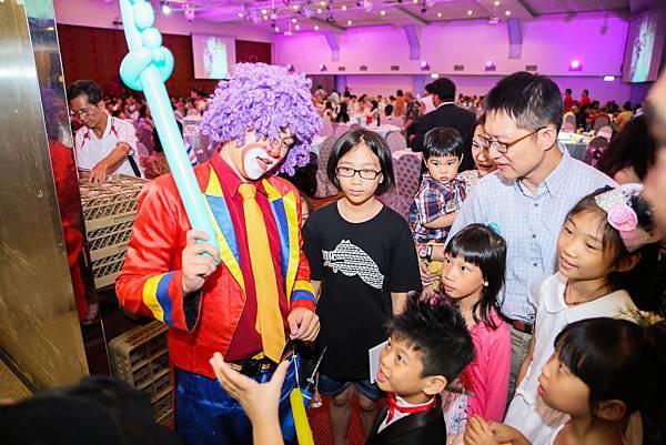 吳陳府婚宴魔術表演、氣球小丑、樂團演唱