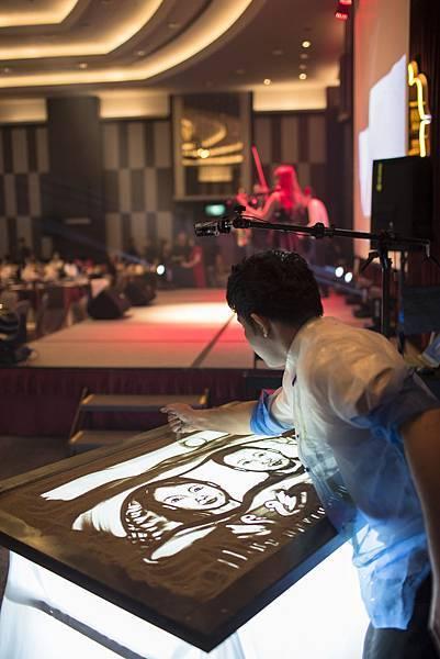 新竹大遠百VIP璀璨之夜魔術表演、砂畫表演、樂團演奏