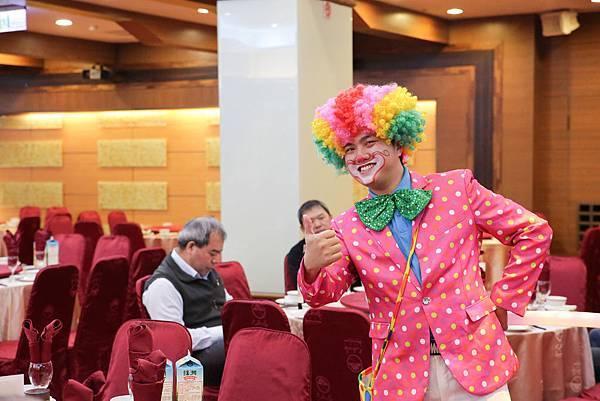 義閔魔幻婚禮迎賓小丑、魔術表演