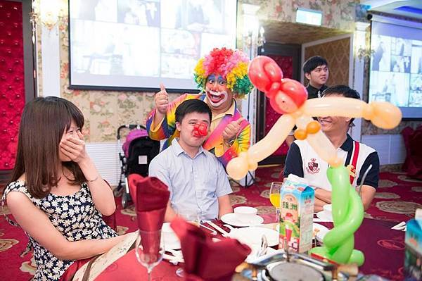 康平&怡雯魔幻婚禮魔術表演、樂團演奏、婚禮主持、婚禮攝影、會場布置