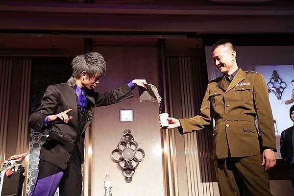 元弘草本尾牙活動主持、魔術表演、川劇變臉